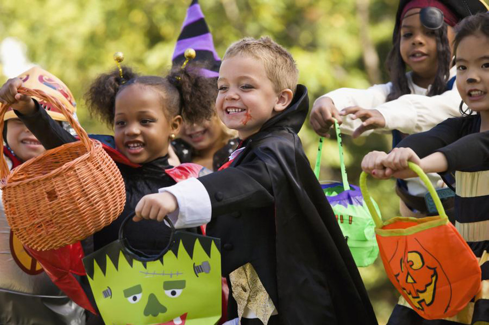 Despicable human being complains about poor kids trick or treating in her fancy neighbourhood