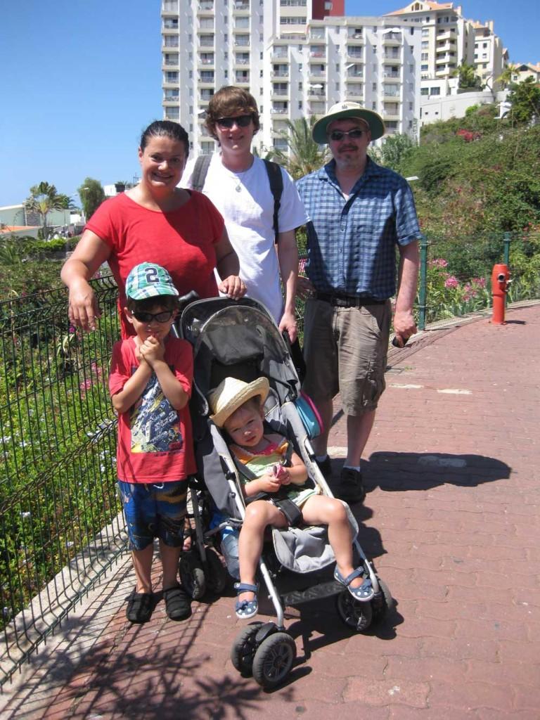 1,000 Families Project: Paula, Simon, Raven, Aidan and Maya stroller