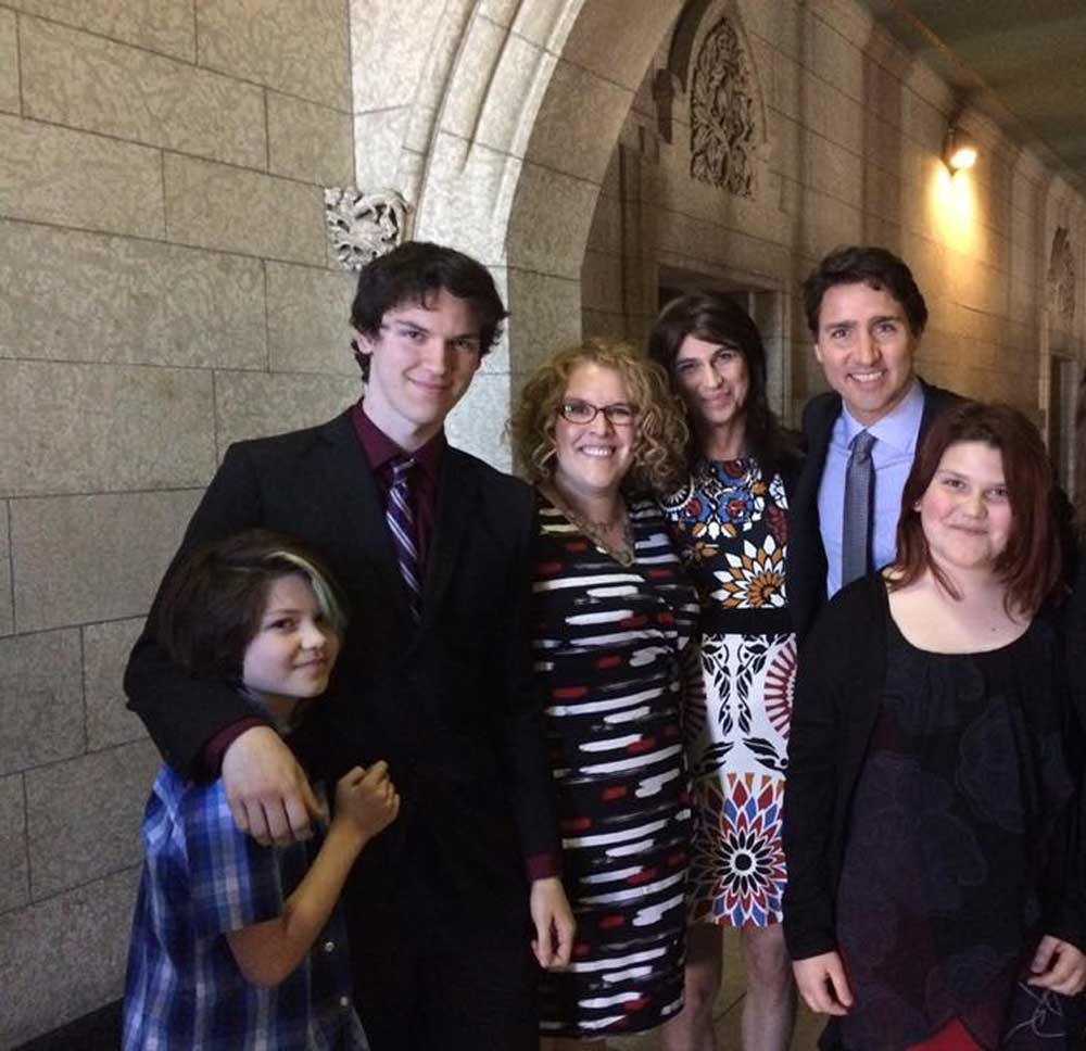 knox-family-and-pm-trudeau_1000